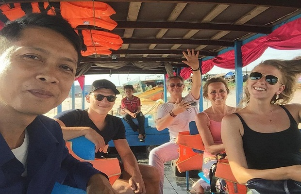 1/ Day Siem Reap Floating Village experience